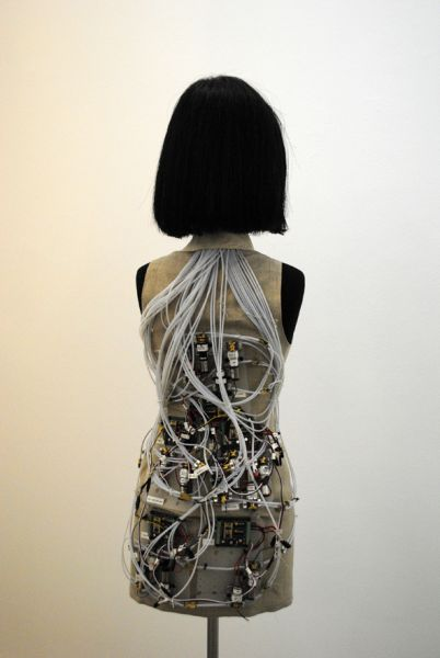 Hussein Chalayan: Wig and mechanics